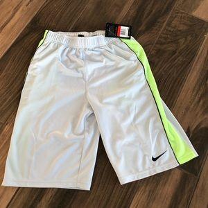 Nike dri-fit boys athletic gym shorts NWT